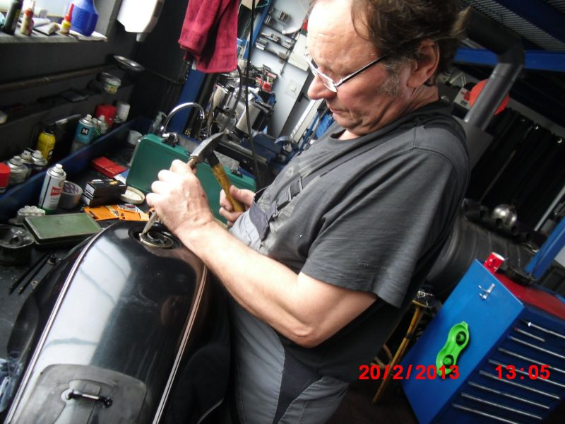 tankrenovierung willkommen bei motorrad welling. Black Bedroom Furniture Sets. Home Design Ideas